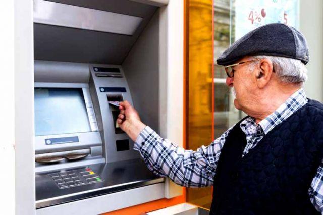 Assembleia do Paraná vota atendimento exclusivo a idosos em agências bancárias - Galeria de Imagens