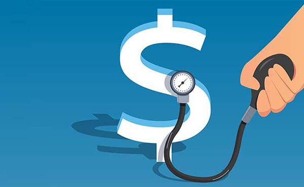 Reajuste dos planos de saúde 'sacrifica consumidor', enquanto lucro de operadoras cresce
