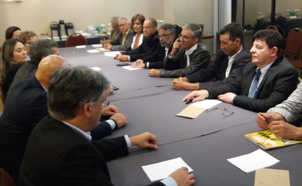 Em nova negociação, aditivo garante direitos dos bancários
