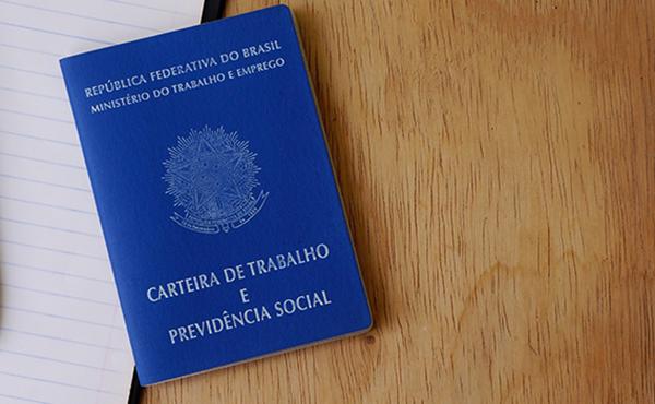 Falha do governo atrasa benefício a 237 mil que tiveram salário reduzido