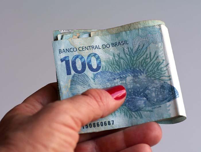 Se você não pegar os R$ 998 do FGTS até 31/3, o dinheiro volta para o fundo