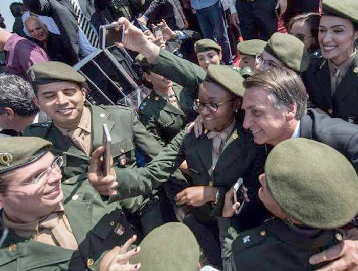 Aposentadoria militar será votada, com salário integral e sem idade mínima