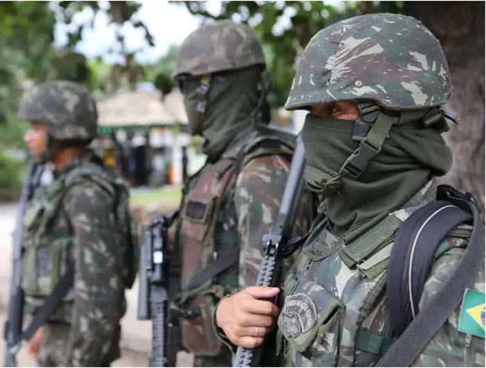 INSS vai contratar 7 mil militares da reserva para reduzir fila dos processos