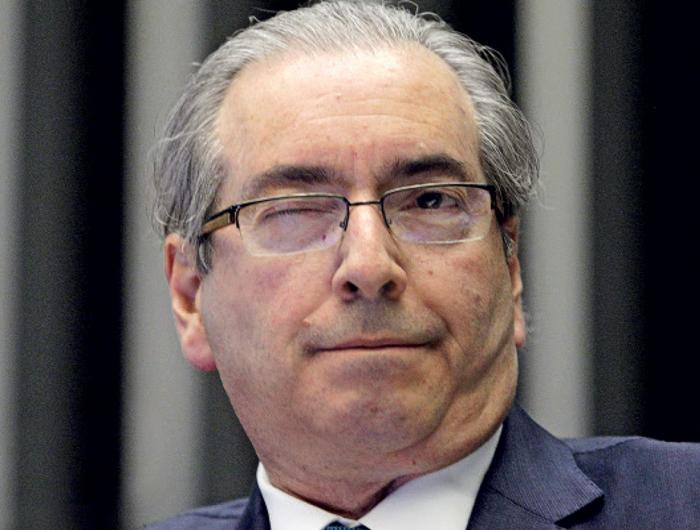 Presos rejeitam Eduardo Cunha como juiz em campeonato de futebol do presídio
