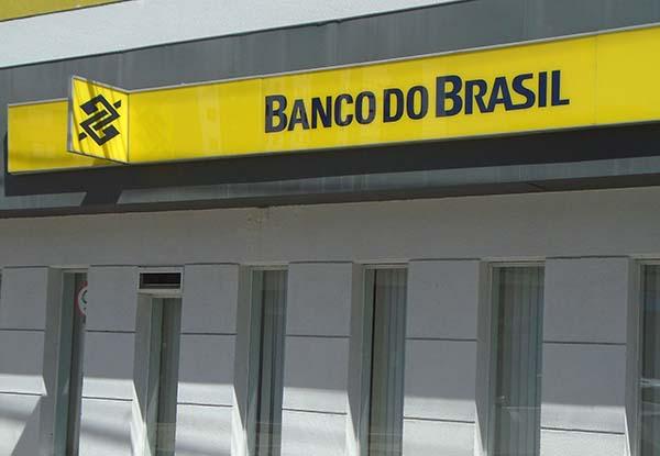Indicado à VP do Banco do Brasil assinou contrato com Marcos Valério