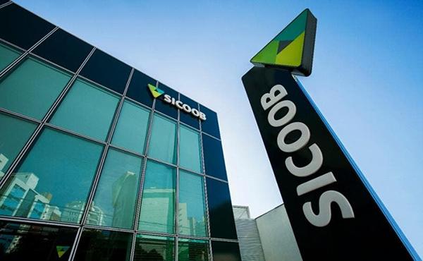 Enquanto bancos fecham agências, Sicoob vê espaço e amplia rede