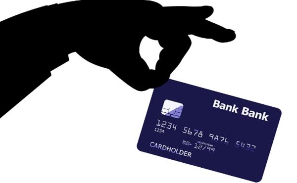 Banco deverá pagar R$ 9,4 mil para cliente que caiu em golpe de troca do cartão