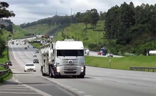 Para cobrar Bolsonaro, caminhoneiros anunciam nova ameaça de greve para o dia 25/07