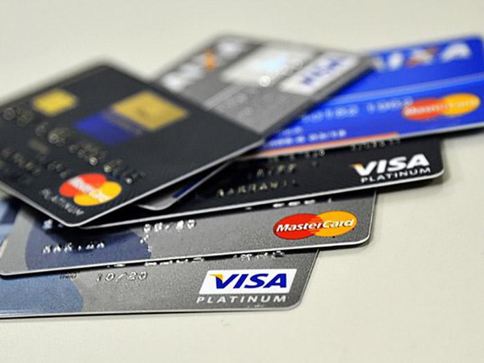 Golpe do cartão de crédito dá prejuízos pelo Brasil: não caia