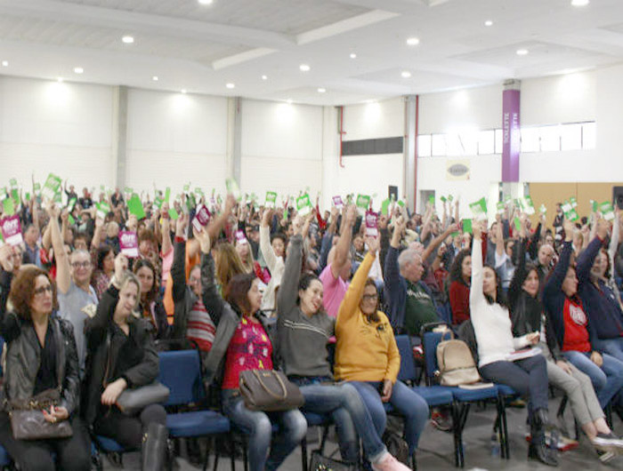 Professores estaduais decidem entrar em greve a partir do próximo dia 25