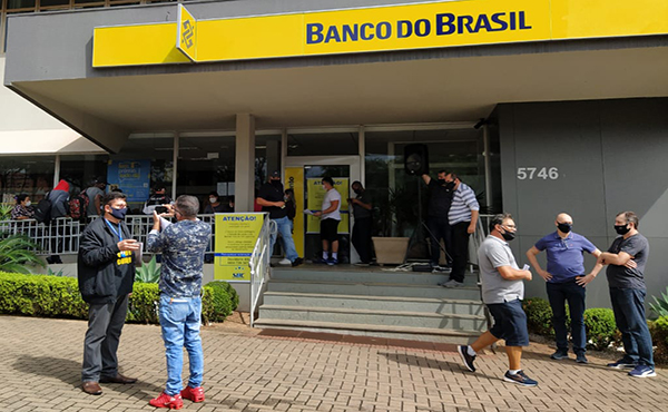 "Sindicato de Cascavel protesta e denuncia ""desmonte"" do BB"